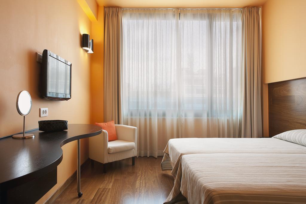 atina otel fiyatları