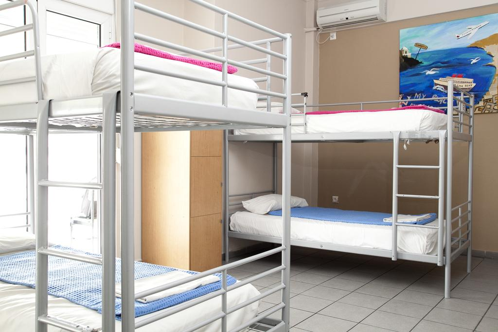 atina ucuz hostel