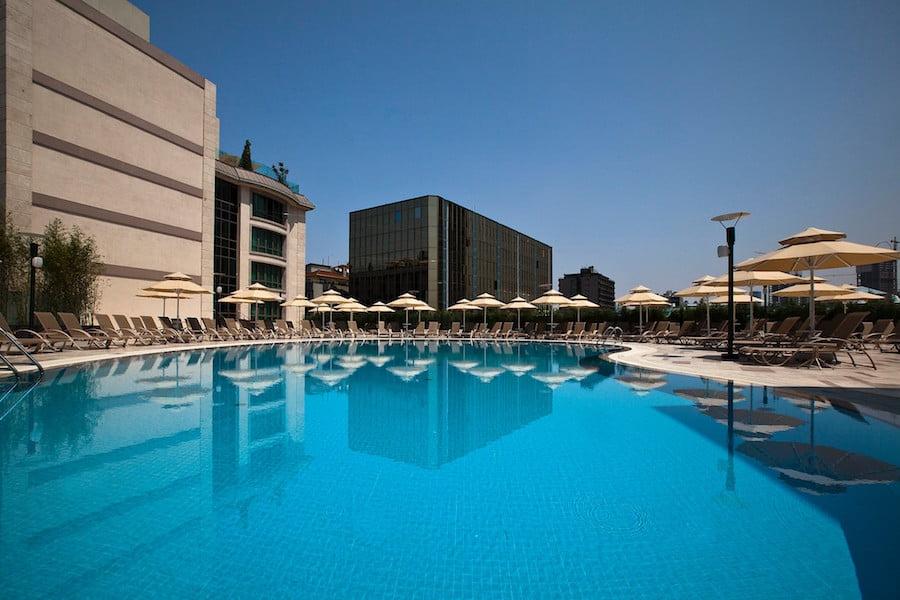 radisson hotel havuz istanbul şişli