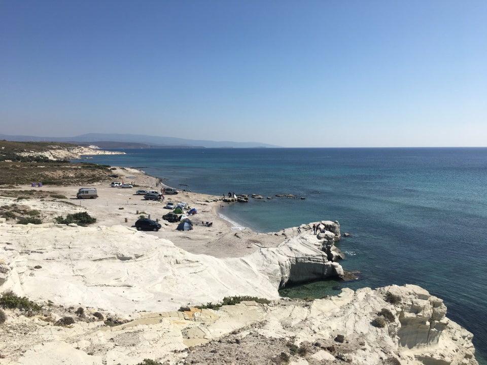 delikli koy alaçatı plajları